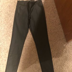 New with tags skinny ankle pleather pants
